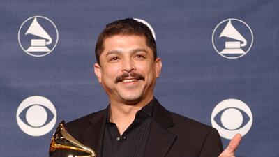 Emilio Navaira: muy cerca del corazón de San Antonio en una medalla de Fiesta