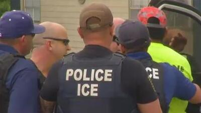 Trump usa amenaza de deportaciones masivas para presionar al Congreso por una reforma migratoria, según experto