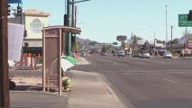 Hombre fue atropellado mientras esperaba al camión en una parada, buscan al responsable