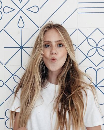 <b>Loreto</b> es hoy en día una adolescente de 14 años y tiene por delante una carrera prominente como artista y modelo.