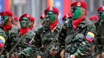 """""""Tienen tres días para ponerse del lado de la Constitución"""": el ultimátum de Guaidó a los militares venezolanos"""