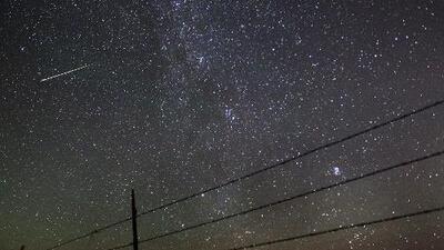No te pierdas la doble lluvia de meteoros que será visible esta noche