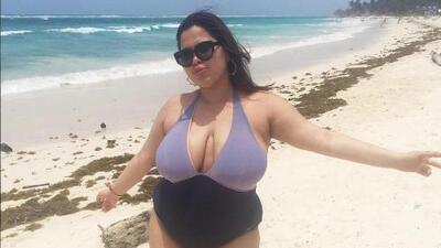 María Jiménez, la modelo latina de talla grande que le ganó la batalla a su sombrío pasado
