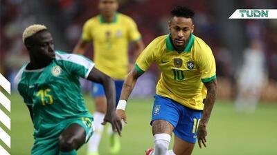 Neymar llegó a los 100 partidos con Brasil