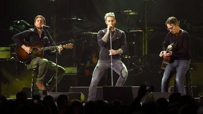 Aficionados le piden a Maroon 5 que no toquen en el medio tiempo del Super Bowl en apoyo a Kaepernick