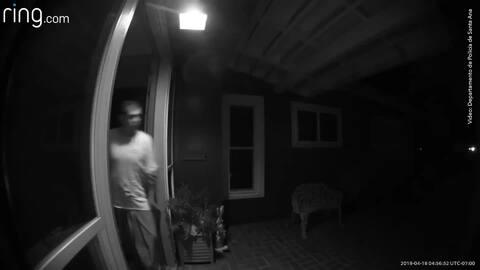 Intruso aterrorizó a una mujer durante una violenta invasión domiciliaria en Santa Ana
