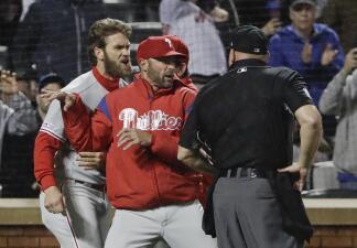 Así fue la primera expulsión de Bryce Harper como miembro de los Phillies