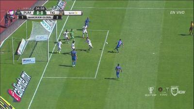 ¡Pero qué le pasó a Vargas! Tenía el primer gol de partido e increíblemente la falla