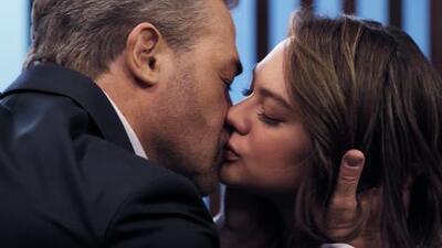 Aris descubrió a Carlota besándose con Ubaldo