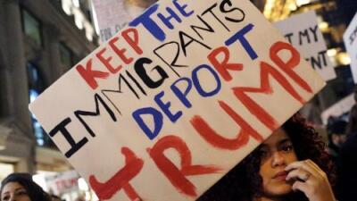 Miles de hispanos en marcha en el quinto día de protestas contra Donald Trump en Nueva York