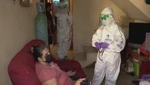 En medio de la pandemia, un grupo de médicos mexicanos visita las casas de los más pobres contagiados por coronavirus