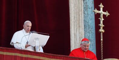 """Que al pueblo de Venezuela """"no le haga falta el auxilio que necesita"""", pide el papa Francisco en Navidad"""