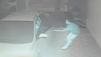Imágenes de Impacto: Conductor disparó a asaltantes en Brasil