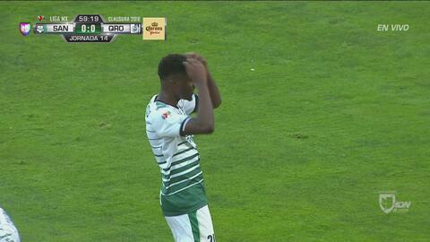 Djaniny le pega potente y se ahoga el grito de gol en la Comarca