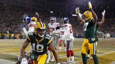 Randall Cobb se despachó con tres recepciones de touchdown ante Giants
