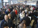 Gobernadora busca que se suspendan todos los vuelos a Puerto Rico para hacer frente al coronavirus