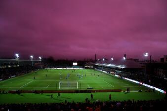 Bajo un cielo morado, Tottenham se salvó ante equipo de 4a división