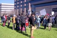 Protestan en Raleigh en contra del conflicto con Irán