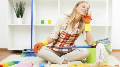 Beneficios de tener tu casa limpia (y no todo es librarte del polvo)