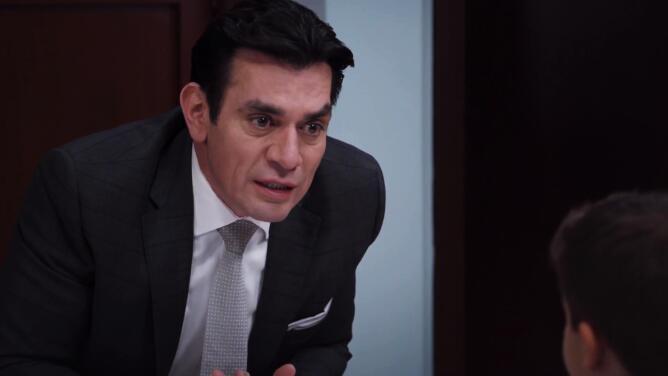 Ernesto le aseguró a Nico que sus verdaderos papás no lo querían y culpó a Elena de ocultarle que es adoptado