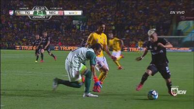 Brian Fernández tenía el segundo gol del partido, pero no logra aprovechar