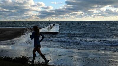Las aguas del Lago Michigan son consideradas peligrosas para nadar por quinto día consecutivo