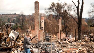 Los incendios en California empeoraron la crisis de vivienda para los hispanos
