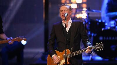 Bryan Adams se une a Bruce Springsteen y cancela un concierto en Mississippi
