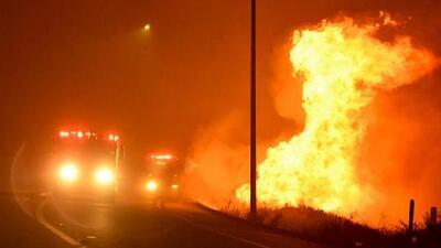 Al menos una persona muerta durante los devastadores incendios que consumen California