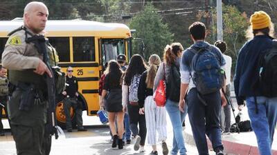 Cuáles son los protocolos escolares a seguir en caso de un tiroteo en una escuela del Área de la Bahía