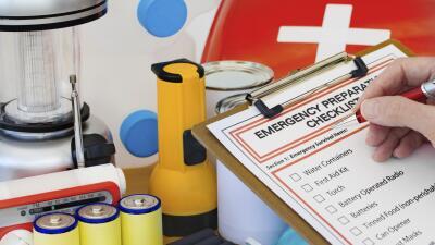Las 15 cosas que todo kit de emergencia debe tener