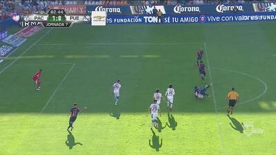 ¡Impresionante falla de Cavallini! Tenía el gol