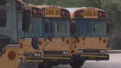 Miles de estudiantes se preparan para comenzar clases en el condado de Miami-Dade en medio de nuevas medidas de seguridad