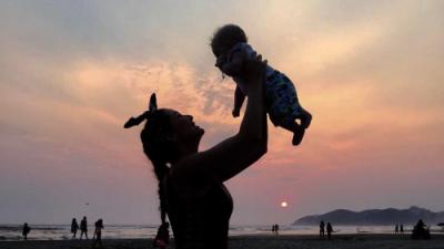 """Marjorie de Sousa, una madre aferrada a su hijo en medio de """"tanta tormenta"""""""