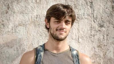 Felipe Simas es Jonathan en 'Totalmente diva'