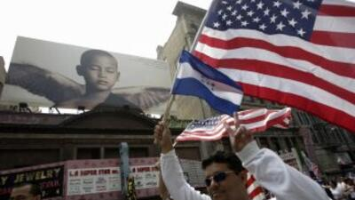 Salvadoreños aspiran por primera vez a entrar en el Concejo de Los Ángeles