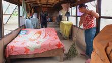 Ayuda de Impacto: Familia venezolana vive en un autobús escolar viejo