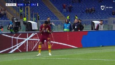 ¡GOOOL! Justin Kluivert anota para Roma