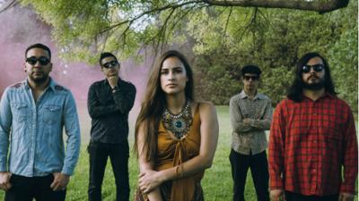 The Chamanas: Música del choque cultural de la frontera México-EEUU