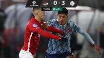 Con Edson Álvarez los 90 minutos, el Ajax derrota al AZ Alkmaar