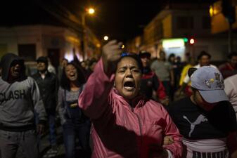 """📷 """"Si vienes a matar, te vamos a linchar"""": continúan las marchas contra venezolanos en Ecuador"""