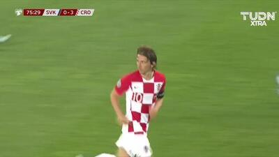 Tiro desviado de Luka Modric