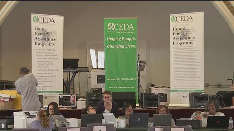 Realizan un foro en Chicago para ayudar a residentes de bajos recursos con el pago de servicios básicos