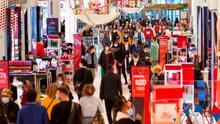 """""""Como nunca antes"""": Casi la mitad de los compradores evitaron las tiendas durante el Viernes Negro"""