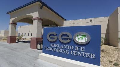 California prohíbe las cárceles privadas, pero ahora preocupan los detenidos que pueden terminar a millas de distancia