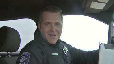 El policía de Aurora que se volvió una sensación en las redes sociales por sus transmisiones en vivo