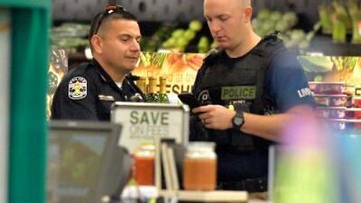 Al menos dos muertos tras tiroteo en un supermercado en Kentucky