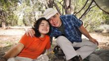Una década y $ 200,000 perdidos: la cruzada de un padre para salvar a sus hijas de la adicción