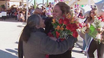 Familias se reencuentran tras más de 10 años de no verse