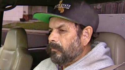 Inmigrante con ciudadanía de EEUU denuncia que agentes de ICE lo detuvieron solo por ser hispano